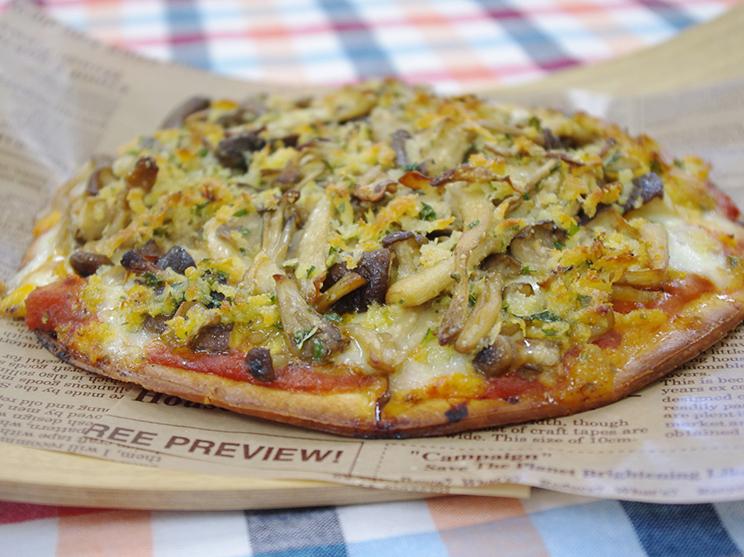 5種きのこピザ