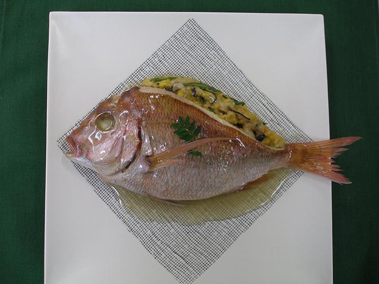 鯛のパン粉詰め蒸し